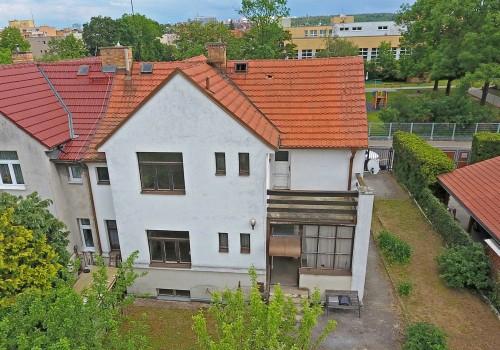 PRODEJ Rodinného domu 5+1 (200m2) Praha 4 - ul. Na lánech